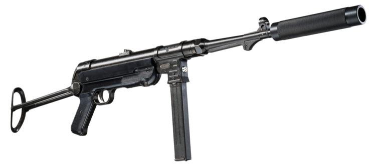 MP-40 SCHMEISSER
